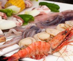 海鮮市場の魚介でバーベキューはいかがですか